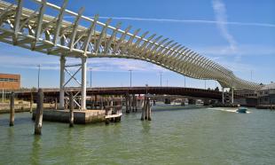 """Venedig: Brücke für den """"People Mover"""""""